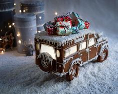 "212 likerklikk, 44 kommentarer – Chlorosis Wolff (@chlorosiswolff) på Instagram: ""This year instead of a classic gingerbread-house as christmas decorations I made a gingerbread-car…"""
