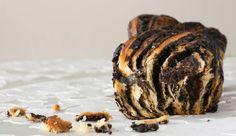 עוגת שמרים טבעונית עם שוקולד חלבה