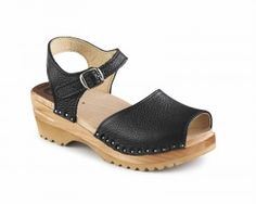 Greta Black Clogs & a Giveaway