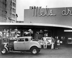 Mel's Drive-In American Graffiti Film - Hot Rod Culture - Ron Howard - George Lucas - Harrison Ford - Wolfman Jack - Candy Clark. American Graffiti, Rat Rods, Custom Trucks, Custom Cars, Carros Hot Rod, Hot Rod Autos, Epic Film, 32 Ford, Harrison Ford