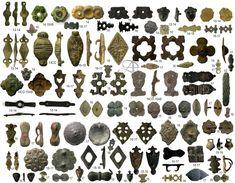 Riembeslagen 1 van 2 Roman Artifacts, Ancient Artifacts, Wood Sculpture, Sculptures, 14th Century Clothing, Metal Detecting Finds, Medieval Belt, Viking Age, Viking Jewelry
