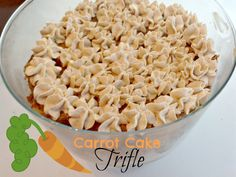 A sweet and creamy treat. Take this favorite cake and mix it up with a flavored cream for delicious, smooth and creamy dessert. Unique Desserts, Just Desserts, Cocktail Desserts, Cocktails, Smoothie Drinks, Smoothies, Vanilla Pudding Mix, Trifle Recipe, Cooking Recipes