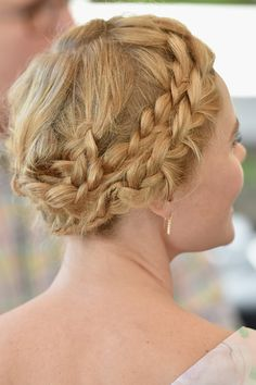 Super cool braided updo on Kate Bosworth Prom Hairstyles For Short Hair, Braids For Short Hair, Hairstyles For Round Faces, Celebrity Hairstyles, Braided Hairstyles, Cool Hairstyles, Braid Hair, Braided Updo, Indian Hairstyles