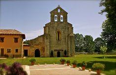 La Finca Santa Eufemia: La Finca y su Entorno Notre Dame, Beautiful Places, Building, Travel, Earth, Restaurants, Lounges, Viajes, Buildings