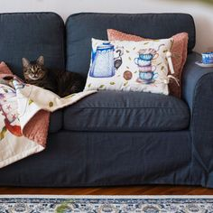 SOMNmic (the tiniest nap in Romanian) is a project sewn and embroidered by Molcush and illustrated by Alexia Udriște, because however long, every nap needs a story. Couch, Throw Pillows, Sewing, Bed, Illustration, Projects, Furniture, Home Decor, Log Projects