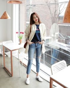 Find images and videos about kfashion, asian fashion and kstyle on We Heart It - the app to get lost in what you love. Korean Fashion Ulzzang, Korean Fashion Fall, Korean Outfits, Asian Fashion, Asian Style, Korean Style, Cute Casual Outfits, Vogue Fashion, Fashion Outfits