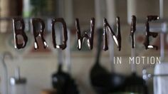 Receta artstica y creativa para preparar un delicioso brownie con chocolate, utilizando animacin de motion graphics como textos, mscaras, shape layers, tracking, chroma, capas de ajuste, etc.  Proyecto realizado para el curso de motion graphics y VFX de Animun3D, de Mlaga. Ingredientes: -90gr de mantequilla -60gr de chocolate -2 huevos -100gr de azcar -50gr de harina -60gr de nueces picadas
