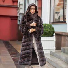 Sable Fur Coat, Fur Coat Fashion, Elegant Woman, Coats For Women, Pretty Girls, Fashion Models, Dress Up, Classy, My Style