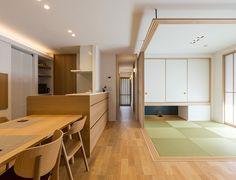 Apartment Bedroom Decor, Living Room Decor, Temporary Wall Divider, Modern Japanese Interior, Muji Home, Ikea, Loft, Windows And Doors, Building A House