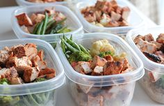 Seasoned chicken, beans & broccoli for meal prep for the week, clean eating Not sure what to eat this week? Are you in need of a little healthy inspiration? Well check this out! http://pinandtrim.blogspot.co.uk/2017/01/meal-prep-101-ultimate-beginners-guide.html #fitness #food #mealprep