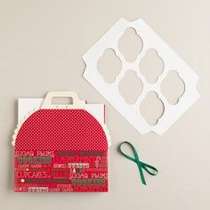Holiday Cupcake Carrier Gift Box via Cost Plus World Market >> #WorldMarket Holiday Baking