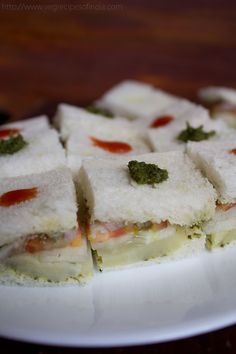 Mumbai vegetable sandwich Mumbai street food is something everyone should experience! :D Courtsey: MumbaiChatore