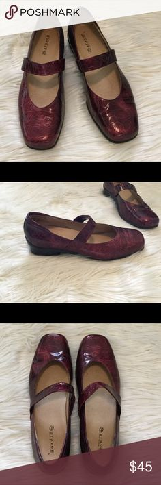 "Aravon Maroon Leather Shoes In good condition! Leather Upper! Beautiful color. Heel height is 1"". Comfortable shoes! Shoe size is 11 B aravon Shoes Flats & Loafers"