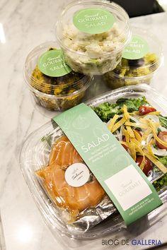 씨리얼 고메의 홈메이드 샐러드 '연어 샐러드' @고메이 494 Salad Packaging, Food Box Packaging, Food Packaging Design, Restaurant Healthy, Vegetable Packaging, Cafe Food, Salad Bar, Food Presentation, Food Design