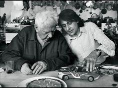 midcenturymodernfreak: Alexander Calder Paints a...