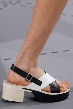 Jil Sander Spring 2014 Ready-to-Wear Collection Slideshow on Style.com