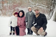 LOVE this family session in the snow!!  Photography by Lila Armock @http://www.lilaarmockphotography.com