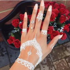 In earlier times henna was mainly utilized to anoint the bride and to boost her beauty during the erotic designs of the tattoo. So, it's recommended that you adhere to the kind of henna that … White Henna Tattoo, Red Henna, Henna Tattoo Hand, Hand Tattoos, Tatoos, Wedding Henna Designs, Henna Art Designs, Beautiful Henna Designs, Henna Inspired Tattoos