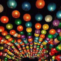 White Round Paper Lanterns