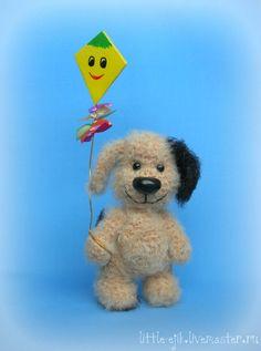 Купить пёсик Генка с воздушным змеем - бежевый, собака, собака игрушка, собачка, песик, пес