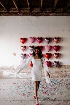 Best Modern Valentines Elopement Inspiration Is For The Coolest Of Couples. If you are looking for Modern Valentine's Elopement Inspiration Is For The Coolest Of Couples, You come to the right … Valentines Day Office, Valentines Day Shirts, Valentines Day Party, Valentine Gifts, Walmart Valentines, Valentines Day Weddings, Valentinstag Party, June Bug, Valentine's Day Quotes