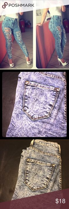 Acid wash distressed Jeans Like new condition, worn once, high waisted, size 5 inseam 29, 98% cotton 2% spandex Jeans Skinny