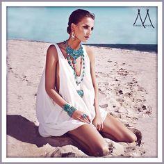 TatiTati Style ➳➳➳ Sophie kyron Turquoise always looks great even on the beach Passion For Fashion, Love Fashion, Womens Fashion, Beach Fashion, Mode Style, Style Me, Ibiza Style, Boho Chic, Bohemian Schick