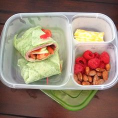 Spinach wrap with ham, pepperoni, tomatoes, honey mustard. @toufayan @Breanne Applegate @EasyLunchboxes @Naturipe Farms #lunchrevolution #officelunch #easylunchboxes @Laura Fuentes/ MOMables.com