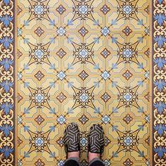 Ah #Paris on #TileTuesday! Where others look up esteemed #photographer Sebastian captures the #tiles and #patterns of @parisianfloors. Loving the #colors especially the border of this find!  #architecture #archilovers #cementtiles #carreauxdecement #design #decor #dsfloors #encaustic #France #fliesen #floor #flooring #historical #ihavethisthingwithtiles #interiors #lookdown #stylish #tilelove #tilestyle #selffeet #tileometry #travel #tileaddiction #wanderlust by tileometry