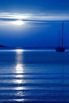 The sea of Halkidiki-Macedonia-Greece Beautiful World, Beautiful Places, Beautiful Pictures, Beautiful Scenery, Macedonia Greece, Blue Aesthetic, Water Aesthetic, Belle Photo, Shades Of Blue