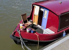 Canal boat&garden