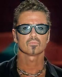 George Michael, Round Sunglasses, Mirrored Sunglasses, Mens Sunglasses, Beautiful Voice, Good People, Freddie Mercury, Superstar, Photo And Video
