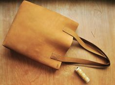 Minimalist Tote Bag Camel Brown Soft Leather