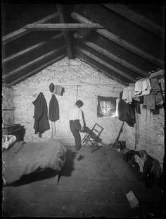 El fotógrafo forense Luigo Tomellini fotografió las escenas de los crímenes de la Génova de principios del S.XX en estas espectaculares fotografías a medio camino entre los archivos policiales y el género negro.