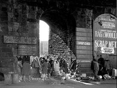Paddy's Market, Glasgow, 1973 Glasgow Scotland, Scotland Travel, Gorbals Glasgow, City Streets, Best Cities, Old Photos, Street Photography, Street View, History