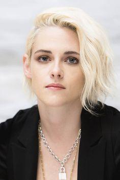 17 ideas for photography femme rebelle Kristen Stewart Short Hair, Kirsten Steward, Bobs, Celebrity Hairstyles, Hollywood Actresses, Hair Inspiration, Short Hair Styles, Angeles, Hair Cuts