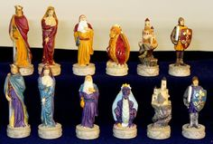 Royal Chess Middle Ages Chessmen (R67627)