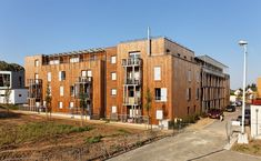 Image 10 of 22 from gallery of 49 Social Housing Estates / BROISSAND arch. Photograph by David Boureau