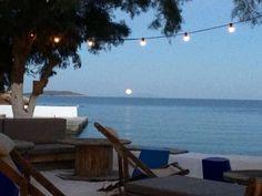 Beach House Antiparos (Αντίπαρος, Κυκλάδες) - Κριτικές Mykonos, Santorini, Paros, Trip Advisor, Islands, Beach House, Restaurant, Outdoor Decor, Home Decor