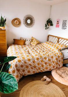 Small Room Bedroom, Dream Bedroom, Home Bedroom, Bedroom Decor, Bedrooms, Earthy Home Decor, Apartment Decorating On A Budget, Konmari, Aesthetic Bedroom