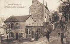 """Le même carrefour de la rue Saint-Vincent et la rue des Saules et le """"Cabaret des Assassins"""" (Le Lapin Agile) vers 1905  (Paris 18e)"""
