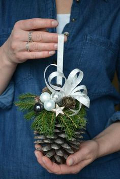 13 Quick and effortless turns in classic pine cone decorations # . - 13 Quick and effortless turns in classic pine cone decorations - Noel Christmas, Diy Christmas Ornaments, Homemade Christmas, Rustic Christmas, Winter Christmas, Christmas Wreaths, Magical Christmas, Christmas Pinecone Decorations, Pinecone Ornaments