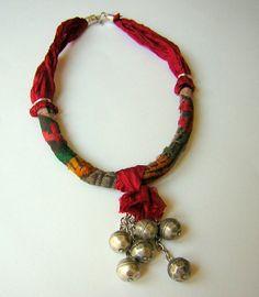 carpet necklace