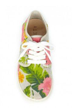 Kalin Flat Sneaker in Hawaiian Print Lit Shoes, Women's Shoes, Me Too Shoes, Shoe Boots, Cute Fashion, Boy Fashion, Fashion Shoes, Fashion Outfits, Womens Fashion