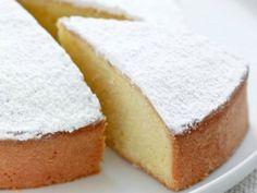 La torta margherita è considerata uno dei dolci più classici e conosciuti. Preparare la torta margherita in versione vegan è facile e velocissima, il suo profumo di vaniglia e di limone è molto invitante, il suo sapore è dolce e soffice, ottima da gustare semplice o con la marmellata o cioccolato fuso. Ideale in ogni …