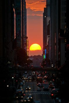 Manhattanhenge's sunset