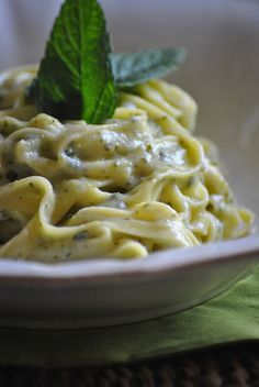 #Fettuccine alla crema di zucchine e menta