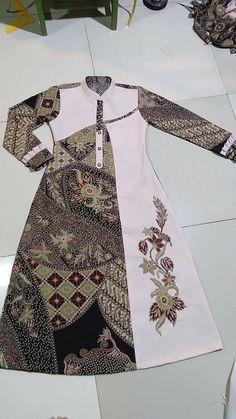 Stylish Dresses For Girls, Stylish Dress Designs, Batik Fashion, Fashion Sewing, Batik Muslim, Outer Batik, Clothing Store Displays, Modest Fashion Hijab, Kurta Neck Design