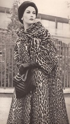 Lovely wide sleeves on this vintage leopard coat. I had one just like it in high school! Foolish to discard classic fashion if it still fits!