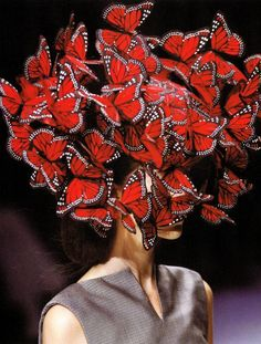 Alexander McQueen, Spring 2008 collaboration with Philip Treacy, dedicated to Isabella Blow